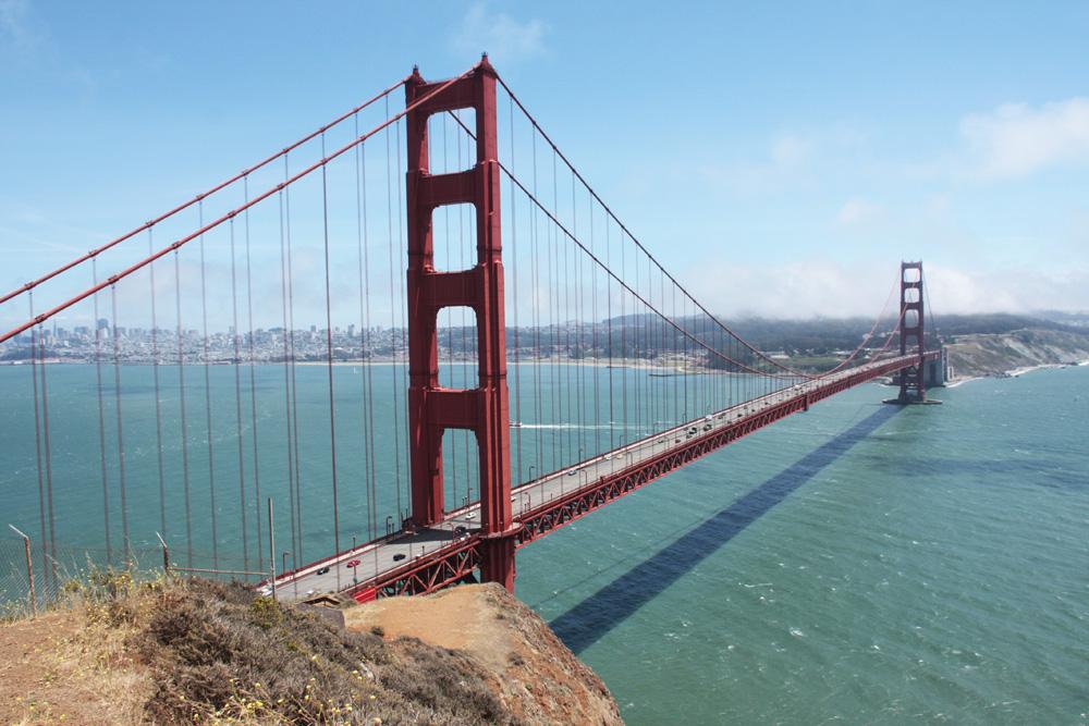 James Bond ja Golden Gate